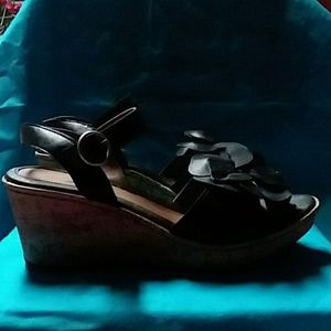 NEW WITH TAGS...BLACK SANDALS